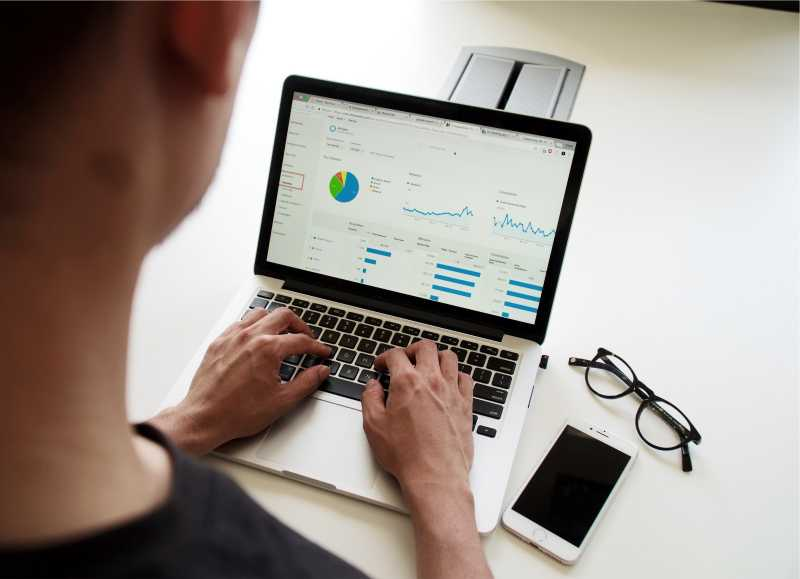 Why You Should Consider a Career in Data Analytics