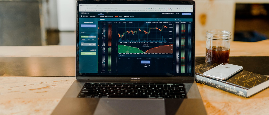 How to Read Stock Charts Like a Pro: A Guide to Support and Resistance
