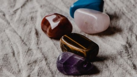 Crystal Healing Guide: Types of Crystals and How to Use Them